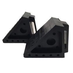 CHAMP WHEEL CHOCK - HEAVY DUTY RUBBER
